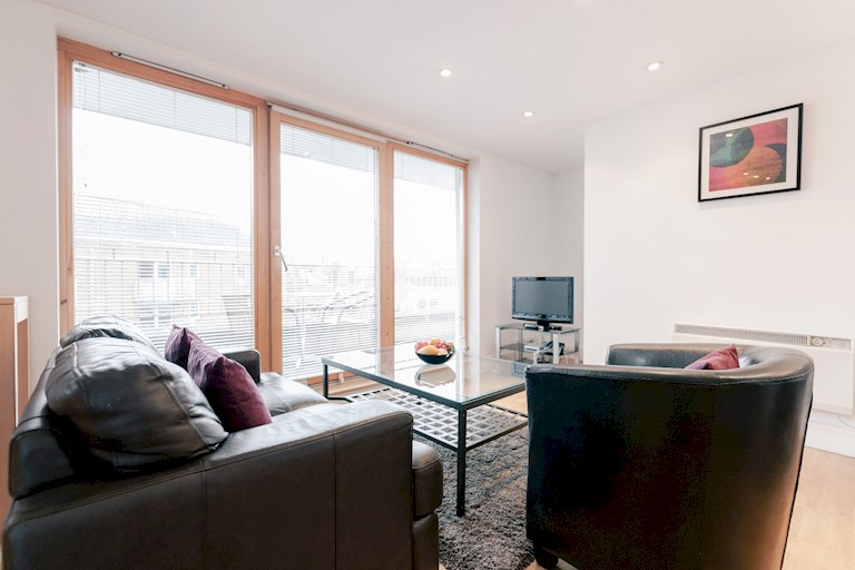 Royal Swan Quarter By Roomspace Saco Apartments