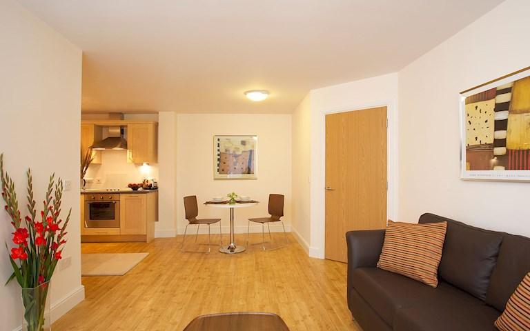 Aparthotel Farnborough SACO | SACO